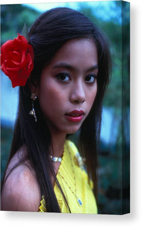 Girl Canvas Print featuring the photograph Beautiful Thai Girl by Carl Purcell