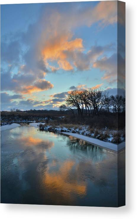 Glacial Park Canvas Print featuring the photograph Christmas Morning 2017 In Glacial Park 2 by Ray Mathis