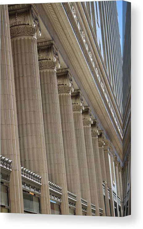 Corinthian Columns Of Union Station Chicago Canvas Print