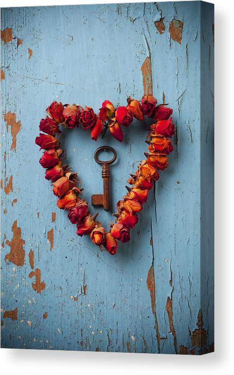 Love Rose Heart Wreath Key Canvas Print featuring the photograph Small Rose Heart Wreath With Key by Garry Gay