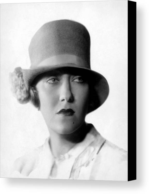 1920s Portraits Canvas Print featuring the photograph Gloria Swanson, 1927 by Everett