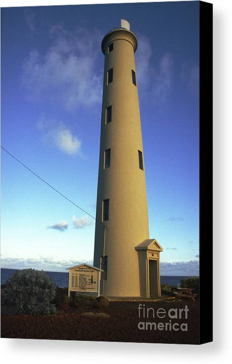 Hawaii Canvas Print featuring the photograph Nawiliwili Lighthouse by Susan See