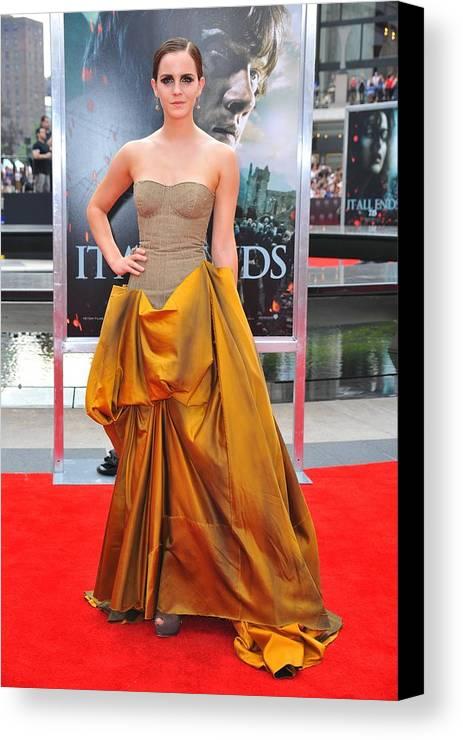 Emma Watson Canvas Print featuring the photograph Emma Watson Wearing A Bottega Veneta by Everett