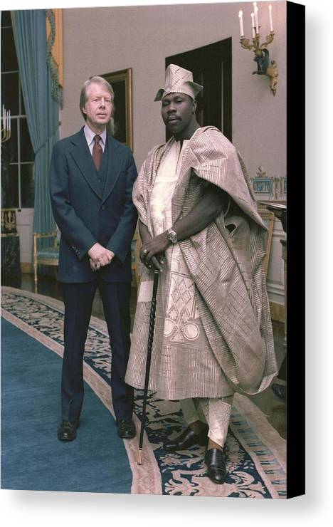 History Canvas Print featuring the photograph Jimmy Carter With Nigerian Ruler by Everett