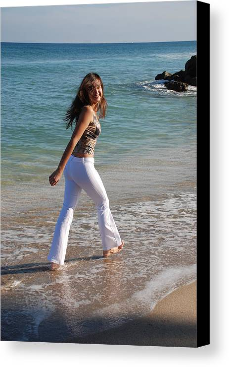 Women Canvas Print featuring the photograph Gisele by Rob Hans