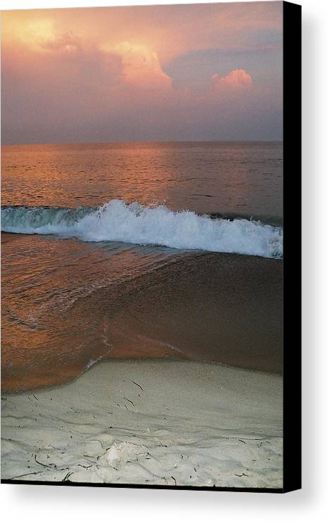 Sea Scape Canvas Print featuring the photograph Charlestown's Sunset by Cheryl Martin