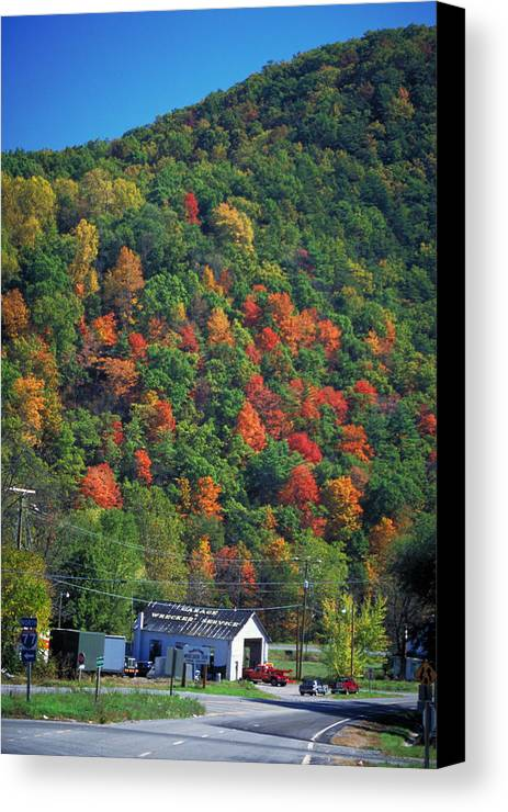 Fall Foliage Canvas Print featuring the photograph Country Road In Autumn by Carl Purcell