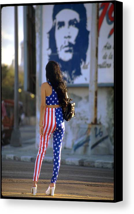 Communist Jeremy Wolff Cuba Havana Che Guevara Canvas Print featuring the photograph Havana Stars And Stripes by Jeremy Wolff