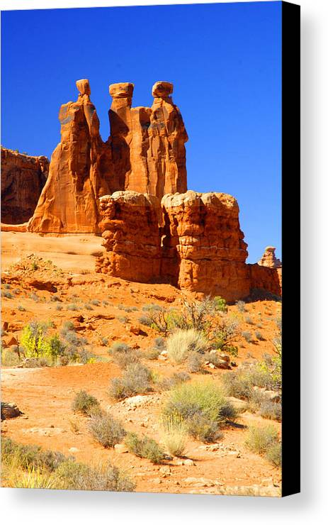 Arches Canvas Print featuring the photograph Three Gossips by Dennis Hammer