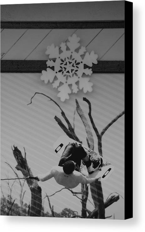 Snow Flake Canvas Print featuring the photograph Wall Surfing With A Snow Flake by Rob Hans
