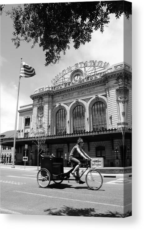 Street Canvas Print featuring the photograph Union Station by Brian Anderson