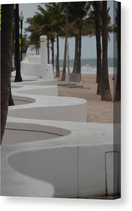 Pop Art Canvas Print featuring the photograph Zig Zag At The Beach by Rob Hans