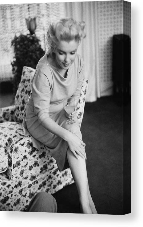 Marilyn Monroe Canvas Print Canvas Art By Michael Ochs Archives