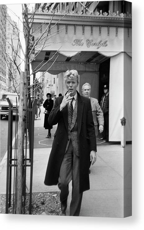 1980-1989 Canvas Print featuring the photograph David Bowie by Art Zelin