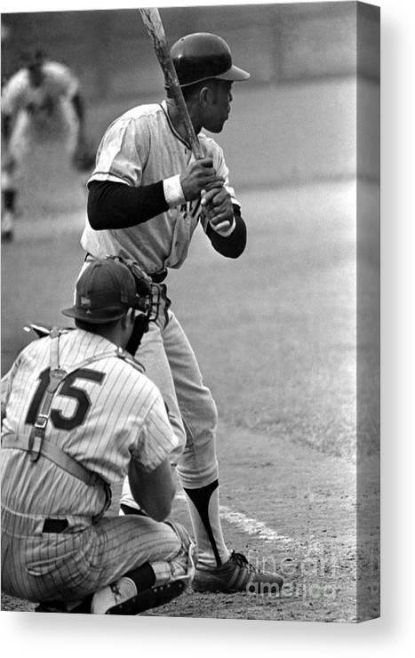 Queens Canvas Print featuring the photograph Willie Mays Of The San Francisco Giants by Mitchell Reibel