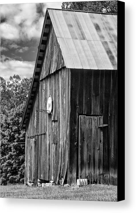 Landscape Canvas Print featuring the photograph An American Barn Bw by Steve Harrington