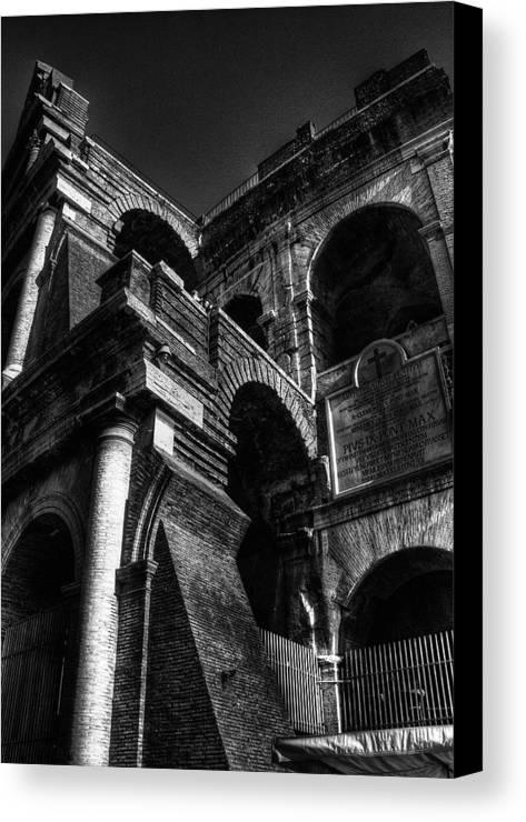 Rome Canvas Print featuring the photograph Coloseo 3 by Brian Thomson