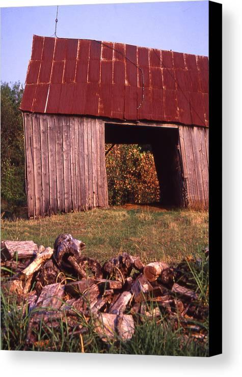 Canvas Print featuring the photograph Lloyd Shanks Barn2 by Curtis J Neeley Jr