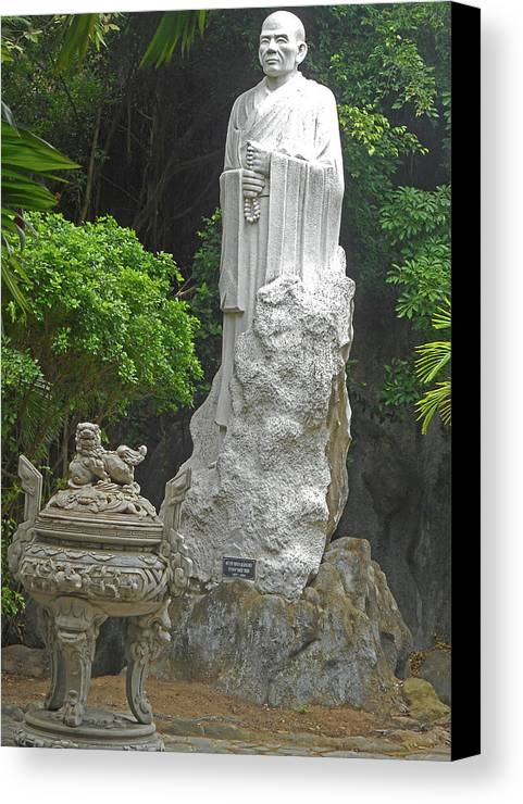 Phu My Canvas Print featuring the photograph Phu My Statues 5 by Ron Kandt