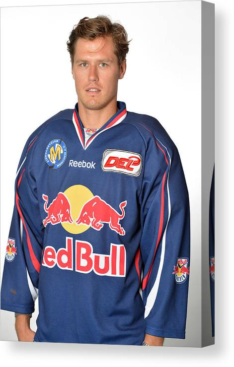 German Ice Hockey League Canvas Print featuring the photograph Ehc Red Bull  München by City- 8eb37db0cc1