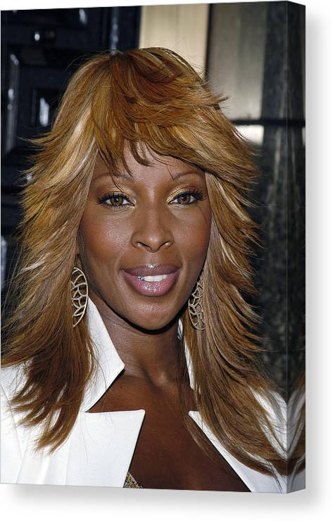 1cjl04 Canvas Print featuring the photograph Singer Mary J. Blige by Everett