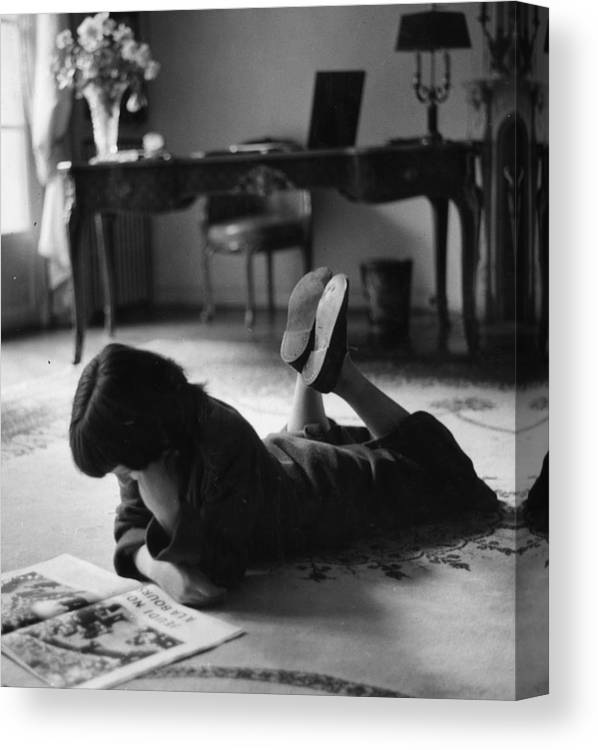 Living Room Canvas Print featuring the photograph Parisian Child by Erich Auerbach