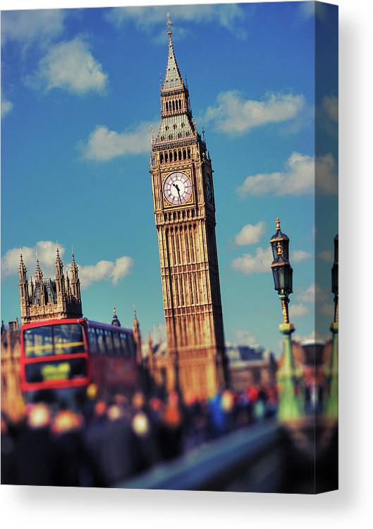 Clock Tower Canvas Print featuring the photograph Big Ben And Commuter Traffic by Doug Armand