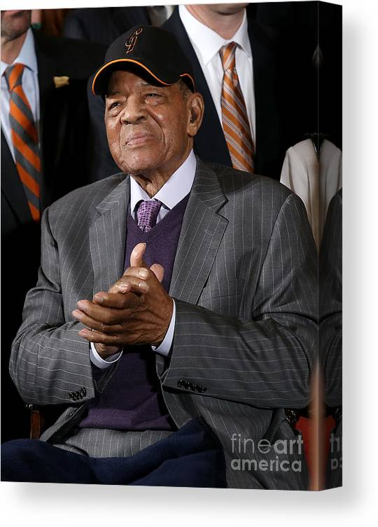 Three Quarter Length Canvas Print featuring the photograph Willie Mays by Win Mcnamee