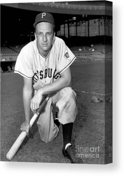 1950-1959 Canvas Print featuring the photograph Ralph Kiner by Kidwiler Collection