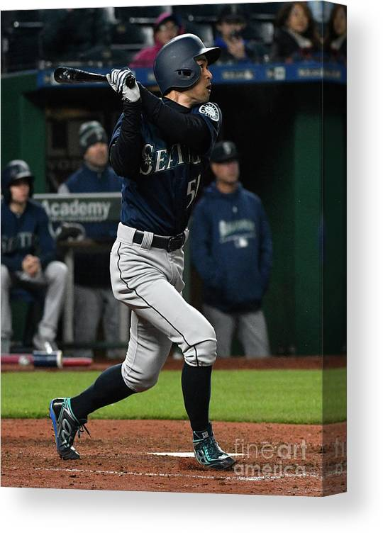 People Canvas Print featuring the photograph Ichiro Suzuki by Ed Zurga