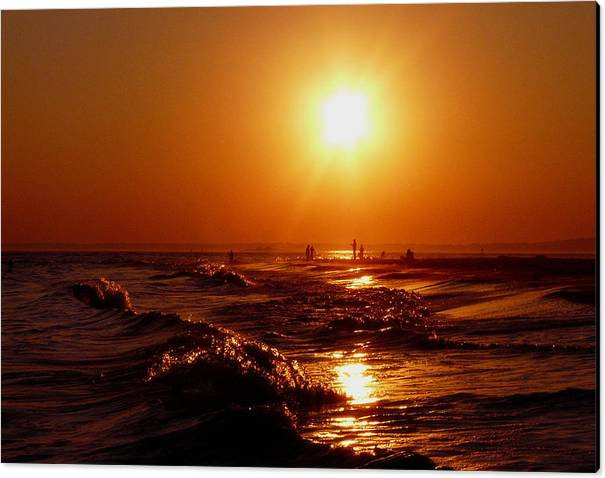 Sunset Canvas Print featuring the photograph Extreme Blazing Sun by Kendall Eutemey