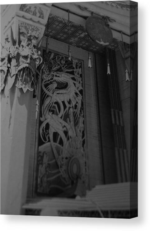 Black And White Canvas Print featuring the photograph Chinese Theater by Rob Hans