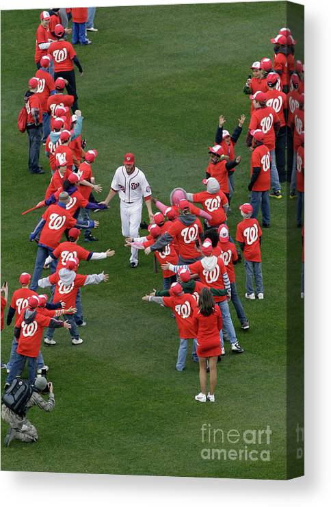 National League Baseball Canvas Print featuring the photograph Jayson Werth by Rob Carr