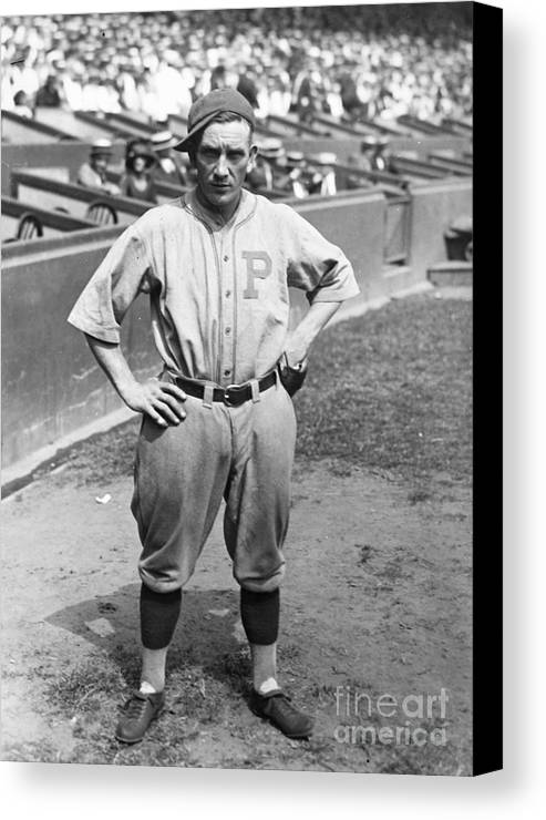 1923 Canvas Print featuring the photograph Walter Rabbit Maranville by Granger