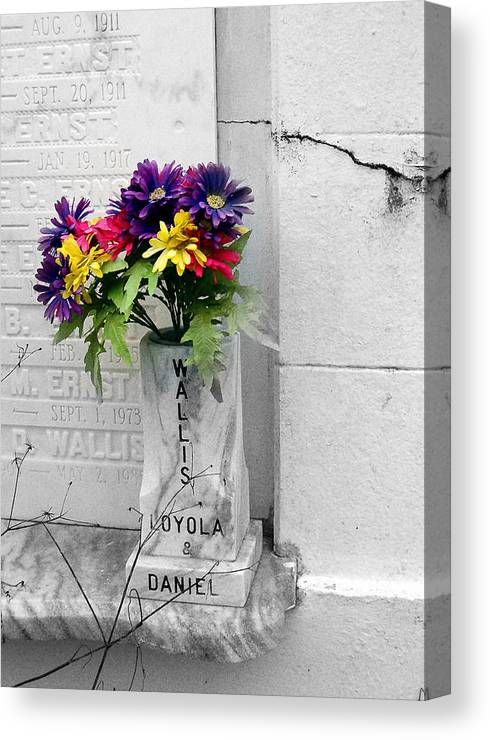 Flowers Canvas Print featuring the photograph Lafayette No One Bouquet by Heather S Huston