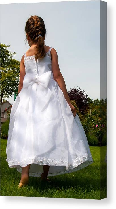 Wedding Photography Canvas Print featuring the photograph The White Dress by Sabine Edrissi