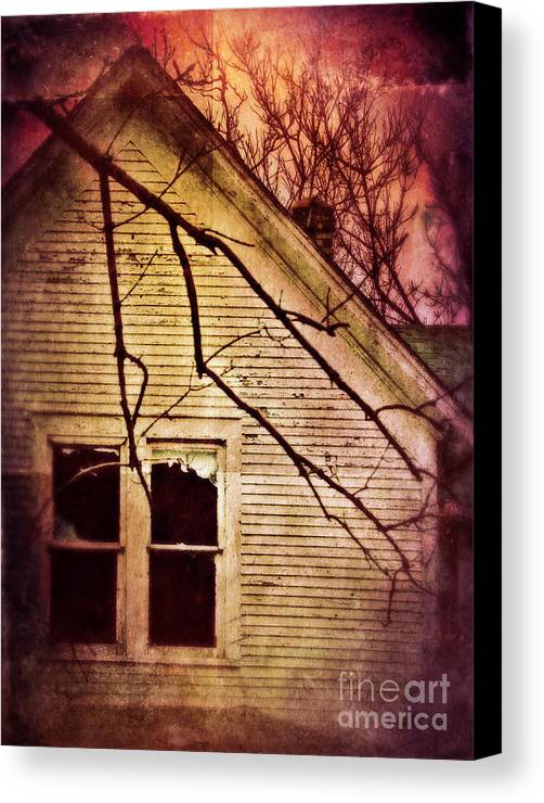House Canvas Print featuring the photograph Creepy Abandoned House by Jill Battaglia
