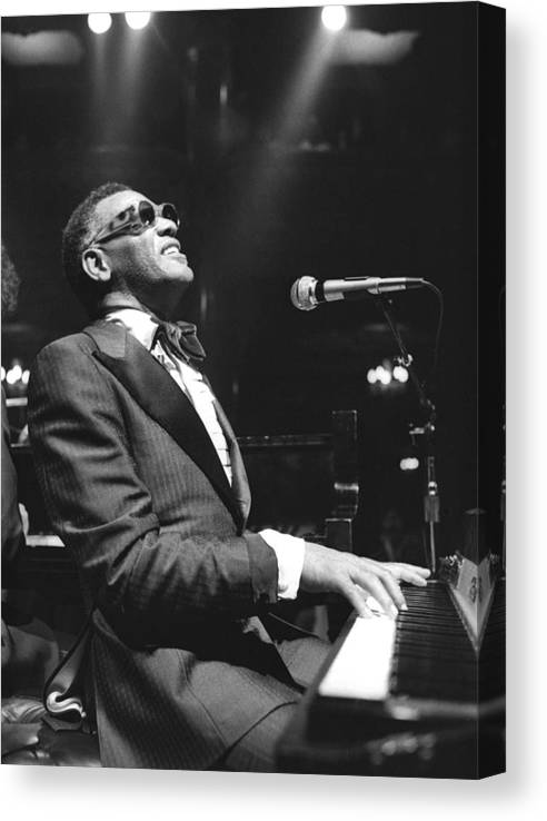 San Francisco Canvas Print featuring the photograph Ray Charles Performing by Tom Copi