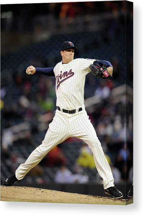 Second Inning Canvas Print featuring the photograph Kyle Gibson by Hannah Foslien