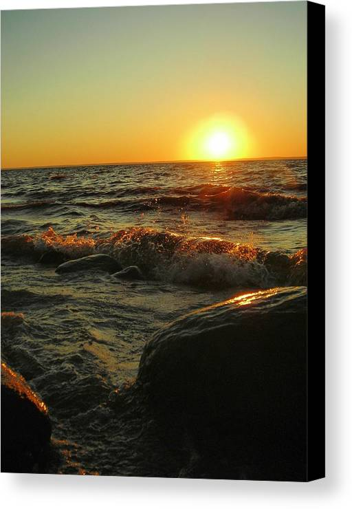 Sunset Canvas Print featuring the photograph Between A Rock And A Sunny Place by Peter Mowry