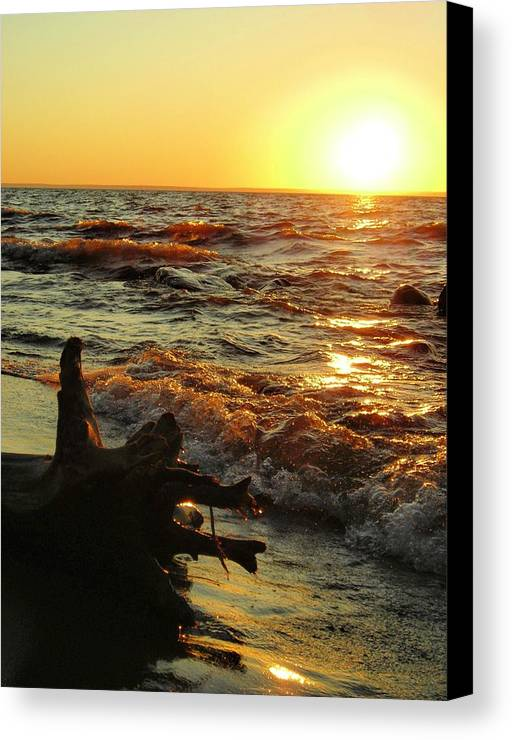 Sunset Canvas Print featuring the photograph Sunset On The Beach by Peter Mowry