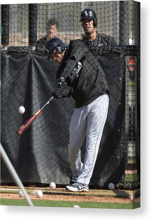 American League Baseball Canvas Print featuring the photograph Chicago White Sox Workout by Ron Vesely