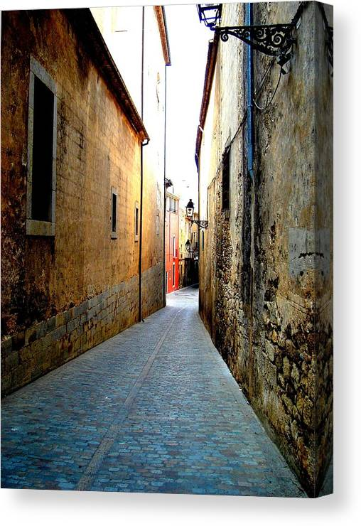 Spain Canvas Print featuring the photograph Spanish Alley by Roberto Alamino