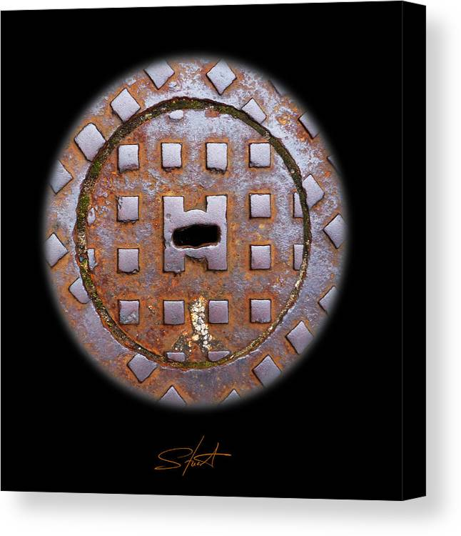 Cast Iron Canvas Print featuring the photograph O by Charles Stuart