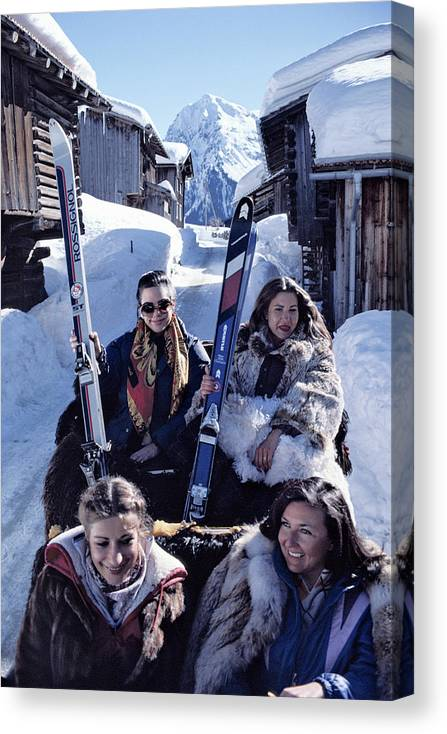 Skiing Canvas Print featuring the photograph Klosters Skiing by Slim Aarons