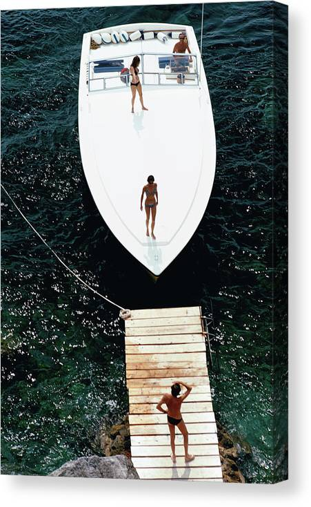 Motorboat Canvas Print featuring the photograph Speedboat Landing by Slim Aarons
