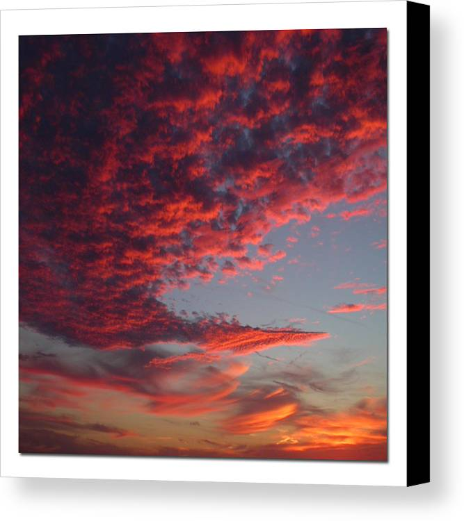 Sunset Canvas Print featuring the photograph The Master Painter by Linda Murphy