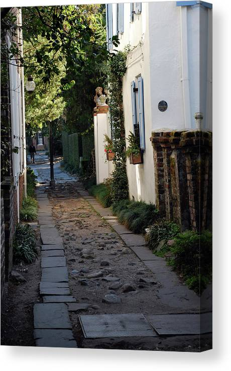 Southcarolina Canvas Print featuring the photograph Charleston Alley 1 by Skip Willits