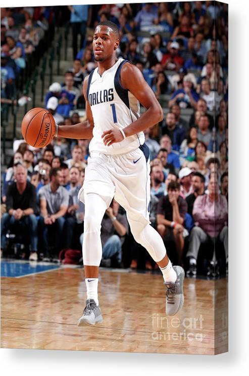 Nba Pro Basketball Canvas Print featuring the photograph Atlanta Hawks V Dallas Mavericks by Danny Bollinger