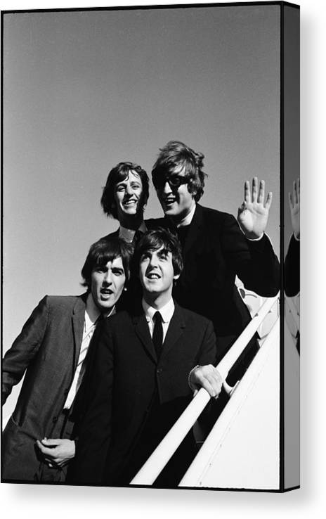 People Canvas Print featuring the photograph Beatles Arriving At Los Angeles Airport by Bill Ray